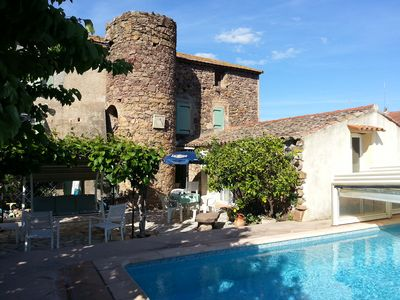 Photo for Spacious studio with terrace in Provencal garden near pool