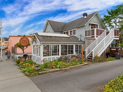 Photo for NEWLY LISTED! PRIVATE AND QUIET! DOWNTOWN FRIDAY HARBOR!