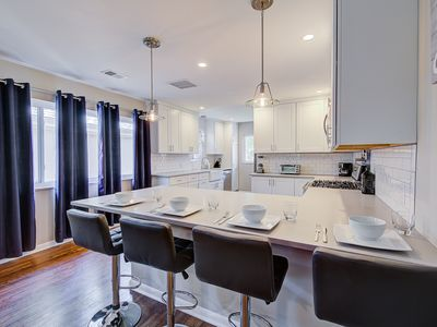 Photo for Charming Home min from Highlands Square / Park!