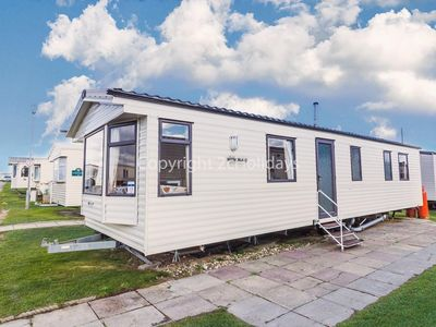 Photo for 8 berth caravan for hire that is dog friendly in Norfolk ref 50030J