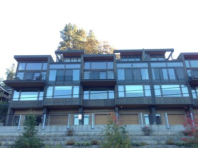 Photo for Luxurious Downtown Hood River View Townhouse--- Dog Friendly to Friendly Dogs