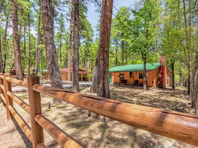 "Photo for ""Pine Tree"" Cabin- Inviting and Charming- Private Outdoor Hot Tub"
