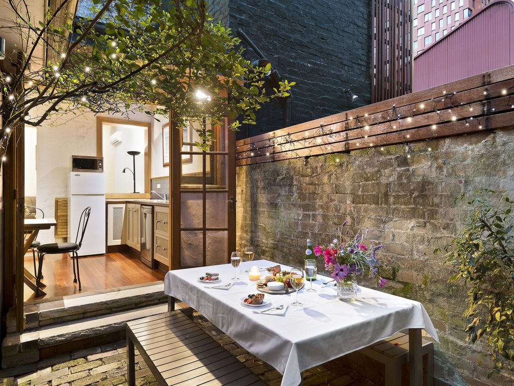 Darling Harbour House, walk to everything location, 3 BR with Courtyard