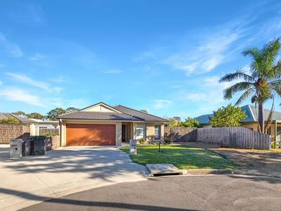 Photo for A comfortable and spacious 3 bedroom, pet-friendly family home