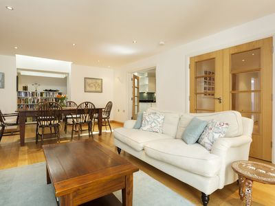 Photo for UP TO 20% OFF - Inviting 2 bed home located in boutique Notting Hill (Veeve)