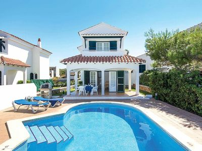 Photo for Conveniently located Villa w/pool, BBQ & great views, close to shops