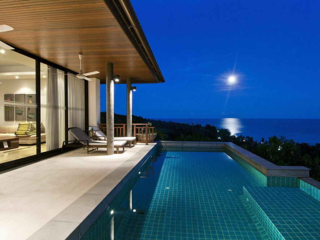 3 bed3 bath luxury homes with pools and spectacular ocean views