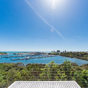 Photo for White Sails - Overlooking the Robe Boat harbour