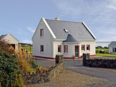 Photo for Detached house, close to the quaint little village and harbour of Carrigaholt in the west corn…