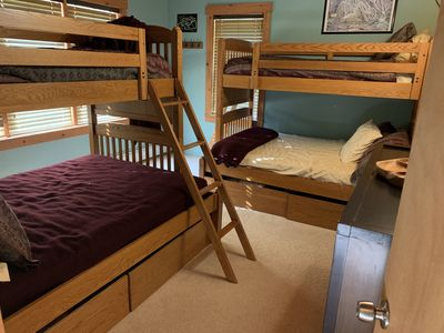 Bunk room for the kids! 2 full size bottom bunks and twin size top bunks/sleeps4
