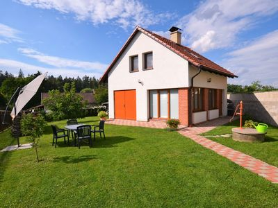 Photo for Cosy, new holiday home with well-kept, fenced garden near Prague