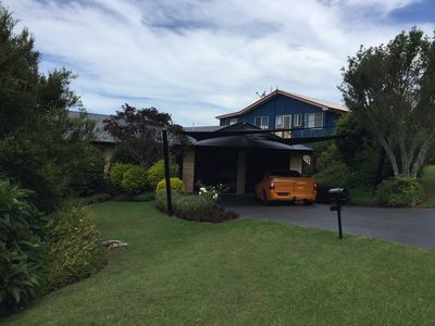 Photo for Beautiful House Gold Coast Hinterland Views Quiet Close to Action Away fr Crazy