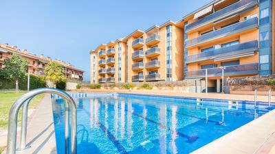 Photo for Apartment with communal pool near the beach.