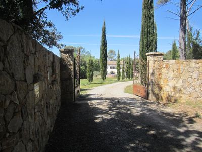 Photo for Comfortable Provencal farmhouse located in the countryside on 5000m², quiet, south