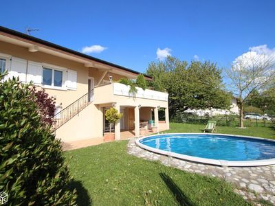 Photo for 1BR House Vacation Rental in Pringy, Auvergne-Rhône-Alpes