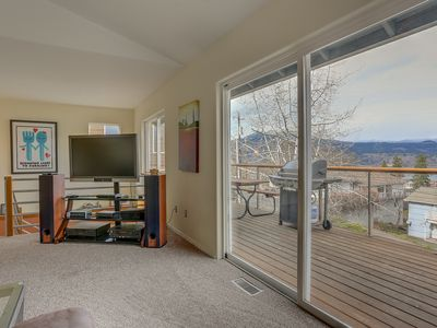 Photo for Kite Beach Lookout - Hot Tub, Amazing Views, Steps To Downtown, A/C, Pet Friendly