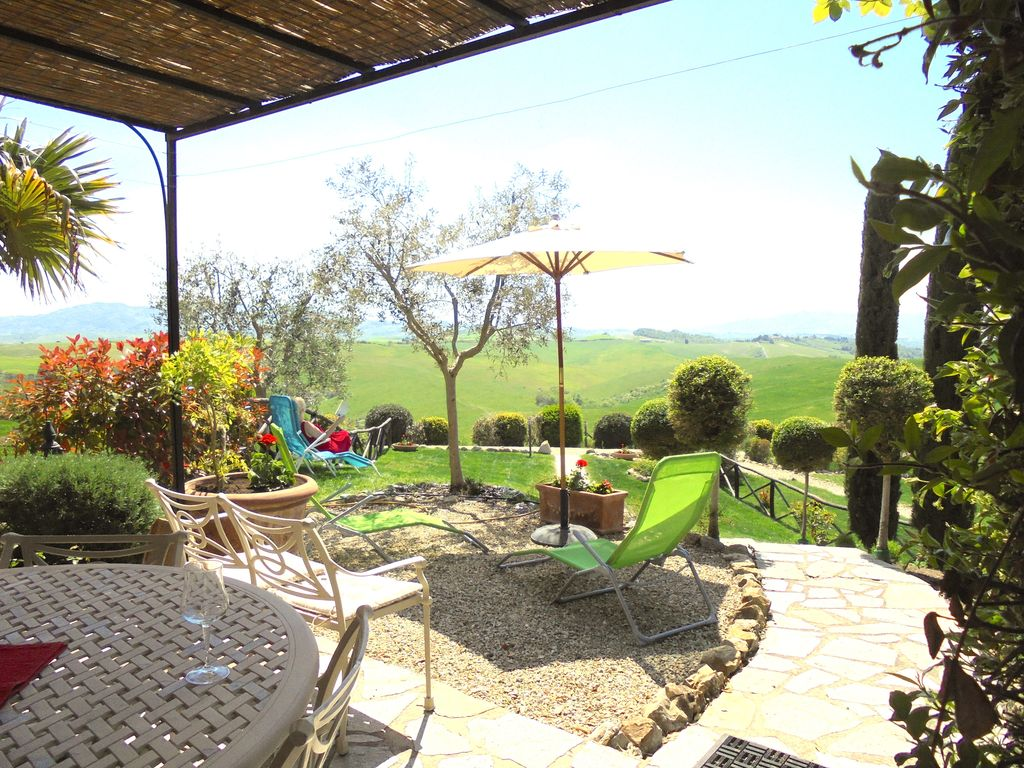 Villa Delle Rose, gardens with panoramic view, near San Gimignano ...