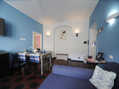 Photo for COLORED AND BRIGHT APARTMENT BETWEEN TRASTEVERE AND TEST