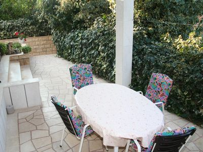 Photo for One bedroom apartment with terrace and sea view Splitska, Brač (A-2907-b)