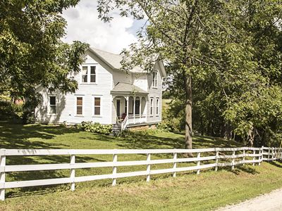 Photo for Charming Restored Farmhouse located between Spring Green and Dodgeville Wi