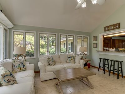 Photo for Blue Ribbon House | 10 Min. to TIEC | 5 Min. to Cleghorn Golf and Sports Club