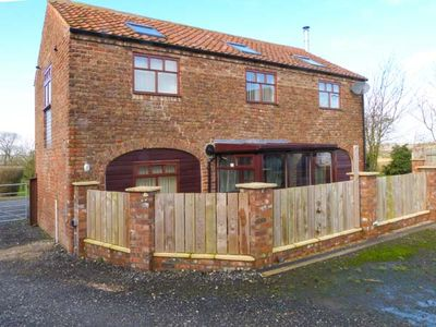 Photo for THE BARN, pet friendly, with open fire in Burton Fleming, Ref 8956