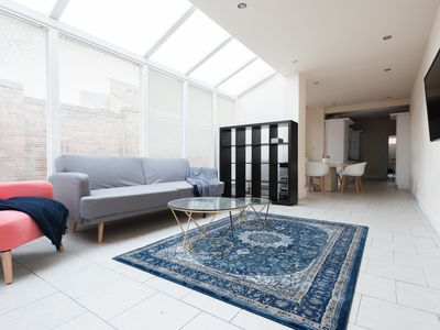Photo for The Reservoir Retreat - Lovely 6BDR Family Home in Edgbaston