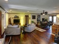 Great location and a very welcoming and accommodating owner.