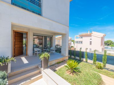 Photo for FORMENTERA 2 - Chalet with private garden in Can Picafort.