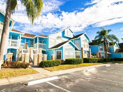 Photo for 10min to Disney parks & Universal studios.new condo w/free wifi & pool