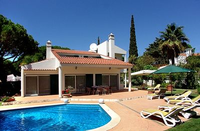 Photo for Spacious four bedroom villa with pool, WiFi and air-con LA04