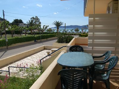 Photo for Cosy and well-lit ground floor apartment, located just 50 meters away from Grifeu beach an