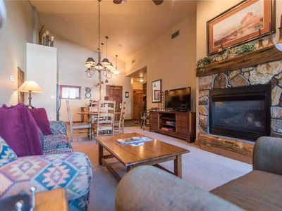 TL2309 Nicely Appointed, Top Floor - Mountain Views! WINTER SPECIALS!