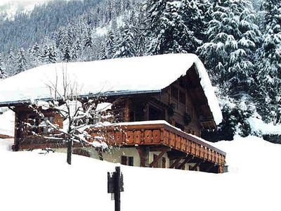 Photo for Apartment in chalet *** for 2-4, facing south, garden level, Gîtes de France