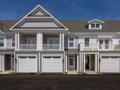 Walk to Downtown Rehoboth Beach Recently Built Townhouse 4BR Sleeps 10 Pool/Parking/Grill