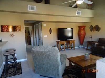 CLEAN & QUIET LUXURY CONDO FOR THOSE WANTING TO ESCAPE FROM WINTER, FREE WIFI