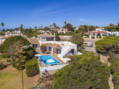 Photo for Villa on top location with 3 bedrooms, panoramic sea views, private pool, near beach