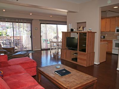 Photo for 2 Bedroom, 2 Bath Condo, Balcony with Views, Common Pool and Jacuzzi