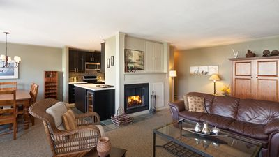Spacious Living Room with Gas Fireplace, Flat Screen TV