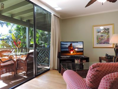 Indoor/outdoor living with covered lanai