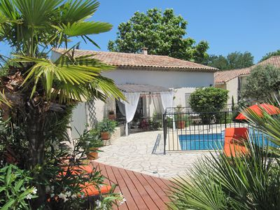 Photo for Cottage with swimming pool between Luberon and Alpilles