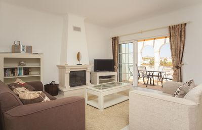 Photo for Spacious Linked Villa short stroll to pool, roof terrace, Fibre WIFI, AC