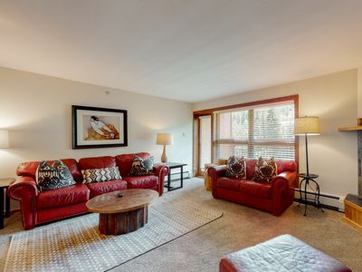 Photo for Mountain view condo in ski-in/ski-out complex, shared pool and hot tub