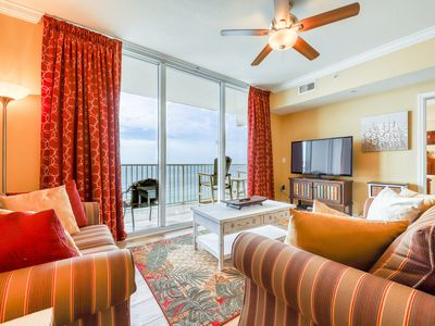 Photo for Picturesque 18th-floor gulf-front condo w/ pools, hot tubs & beach service!