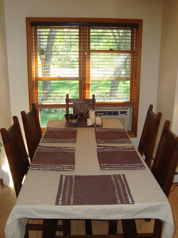 Beautiful house minutes from Lake Bomoseen - Dogs Welcome