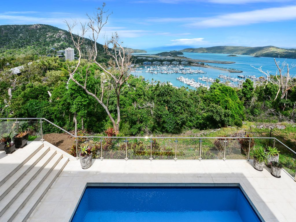 The Vue Large Holiday House With Pool And V Homeaway