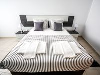 Gorgeous! Well maintained, darling space in a quaint area of Portugal.