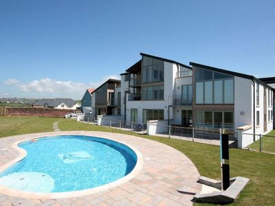 Photo for 1 OCEAN'S EDGE, family friendly, with pool in Thurlestone, Ref 994864