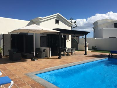 Photo for Beautiful 2 Bed detached Villa in the popular Faro Park area of Playa Blanca