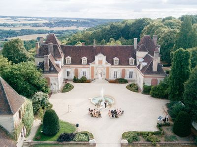 Photo for Exceptional 17th century Chateau in Burgundy